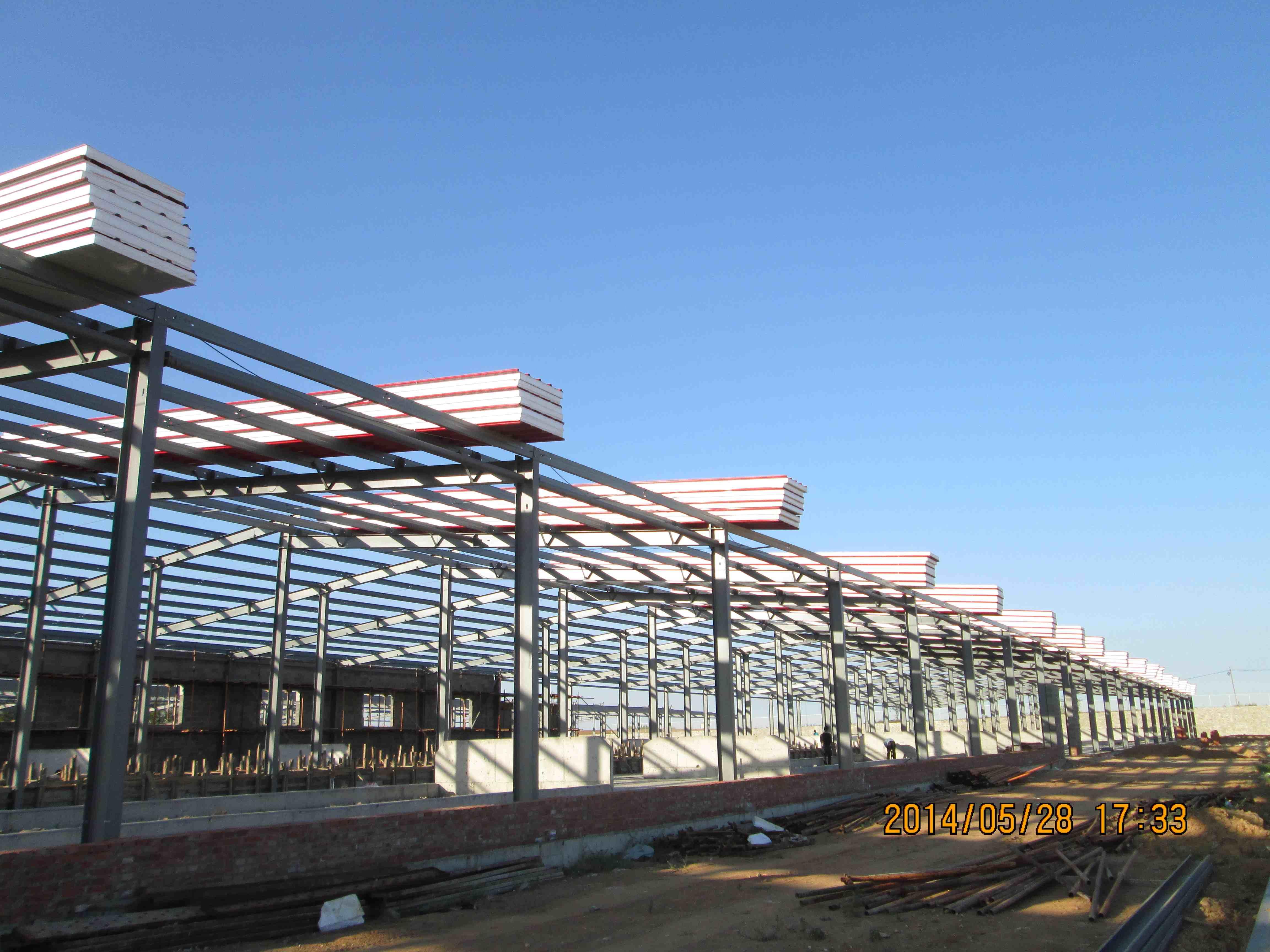 牛场牛舍钢结构 - 大连银立丰机械设备有限公司